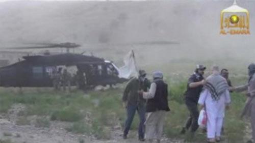 Cảnh trao đổi 'thót tim' 1 lính Mỹ lấy 5 tù nhân Taliban