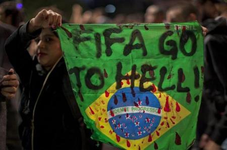 World-Cup, biểu-tình, bóng- đá, túc-cầu, tốn-kém, FIFA, du-lịch,