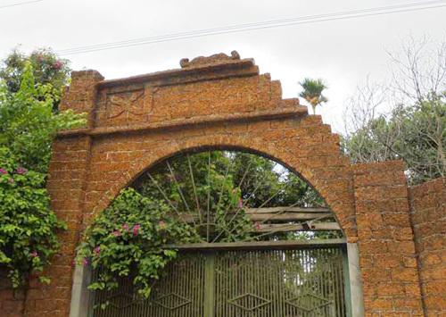 cổng-đá-ong, đá-ong, đại-gia, cổng-nhà, nhà-đẹp, nhà-đại-gia, xây-cổng,