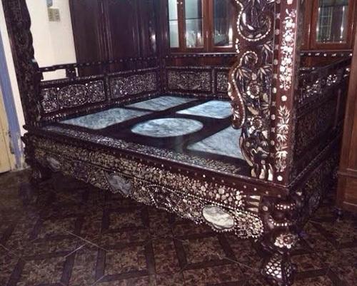 Giường 'công chúa', gối gỗ sưa của đại gia Kinh Bắc
