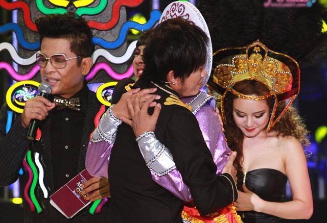Hoài Linh, Hoài Lâm, giả gái, hot