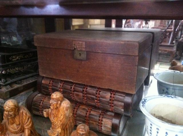 Buôn đồ đình chùa: Quả báo ám ảnh ông trùm gỗ sưa