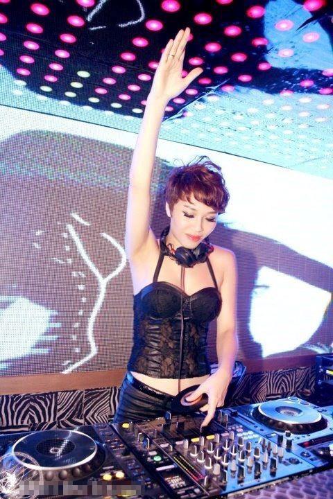 5 DJ sexy nhất Việt Nam