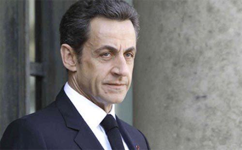 Cựu Tổng thống Pháp Sarkozy bị bắt giam