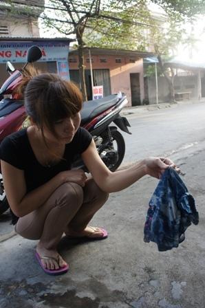 Côn trùng sinh sôi trong quần áo: Nỗi khiếp sợ chưa giải