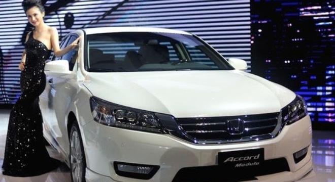 Dân Việt ngày càng thích ô tô nhập khẩu