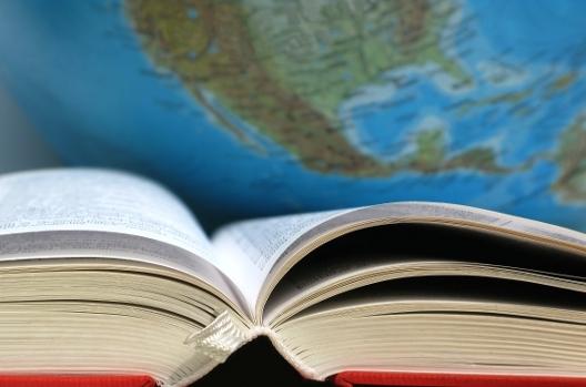 ngoại ngữ, tiếng Anh, hội nhập, người Việt, tư duy cào bằng, trung tâm ngoại ngữ, taxi, tạp chí quốc tế, hướng dẫn viên du lịch