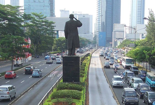 Việt Nam, Cuba, Triều Tiên: Ôtô đắt đỏ, đứng đầu thế giới