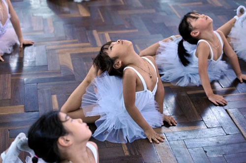Trẻ học múa ba-lê và những lợi ích tuyệt vời