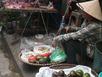 Rùng mình với dưa, cà muối bày bán ngoài chợ