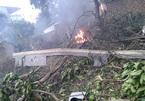 Hiện trường vụ máy bay rơi ở ngoại thành Hà Nội