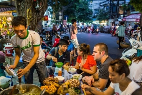 Image result for thuc an duong pho ha noi