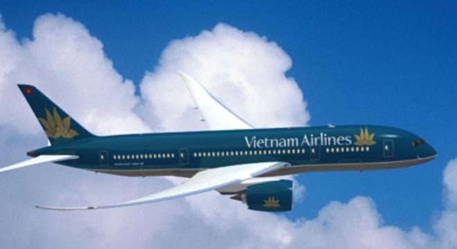 Máy bay Vietnam Airlines đi TP.HCM hạ xuống Cam Ranh