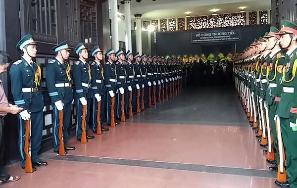 Lễ viếng 18 chiến sĩ hy sinh vụ máy bay rơi