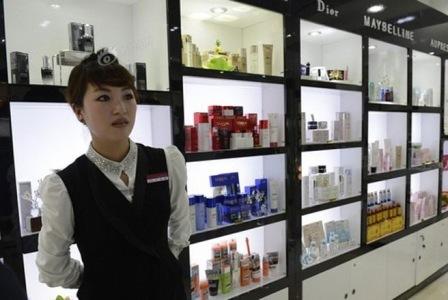 Chuẩn giàu Triều Tiên: Ôtô Audi, mỹ phẩm Chanel