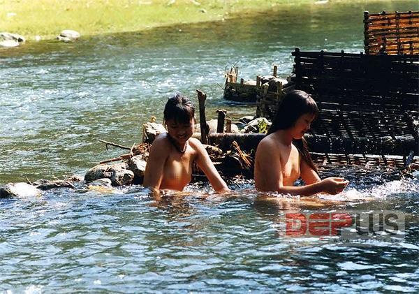 sơn nữ, thiếu nữ, tắm suối