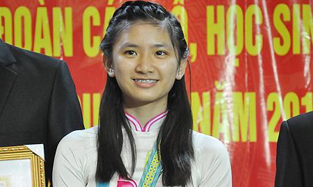Nữ sinh hiếm hoi có Huy chương Vàng vật lí quốc tế