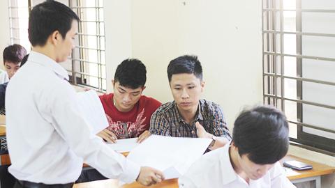 Kỳ thi, quốc gia, Lê Tiến Hưng, nguyên GĐ sở GD-ĐT, 2 trong 1