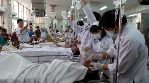 Tai nạn khi pha hóa chất, 3 công nhân bị phỏng