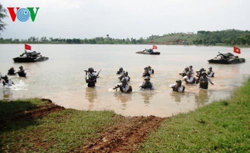 Lính hải quân luyện tập hiệp đồng chiến đấu