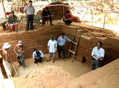 Phát hiện đền tháp Chăm cổ dưới lòng đất
