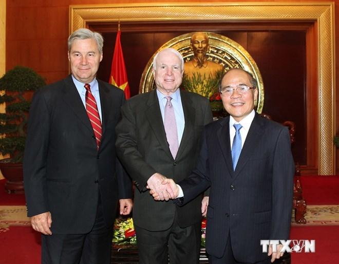 vũ khí sát thương, John McCain, Biển Đông