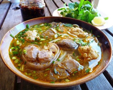 10 delicious specialties, imbued with the ancient capital of Hue