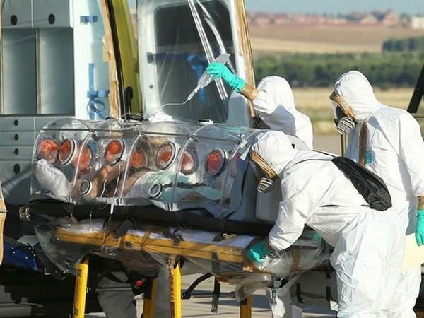Bệnh nhân Ebola đầu tiên ở châu Âu được cách ly cẩn thận