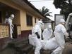Hàng chục nhân viên y tế bị cách ly tại vùng dịch Ebola