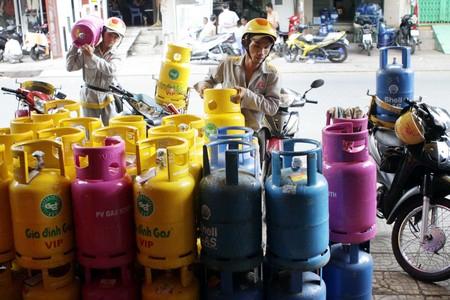 Phát hoảng gas 'chính hãng' mặc cả như rau ngoài chợ