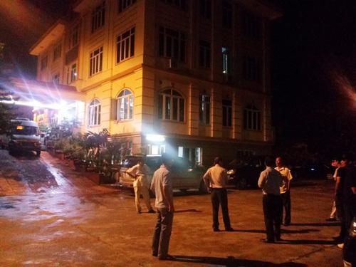 Trăm cảnh sát vây bắt đại gia gỗ khét tiếng Bắc Ninh