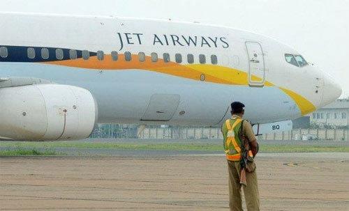 Máy bay Boeing 777 rơi tự do vì phi công ngủ khì