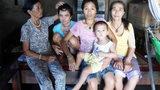 Xót cảnh mẹ nghèo nuôi 3 con tâm thần