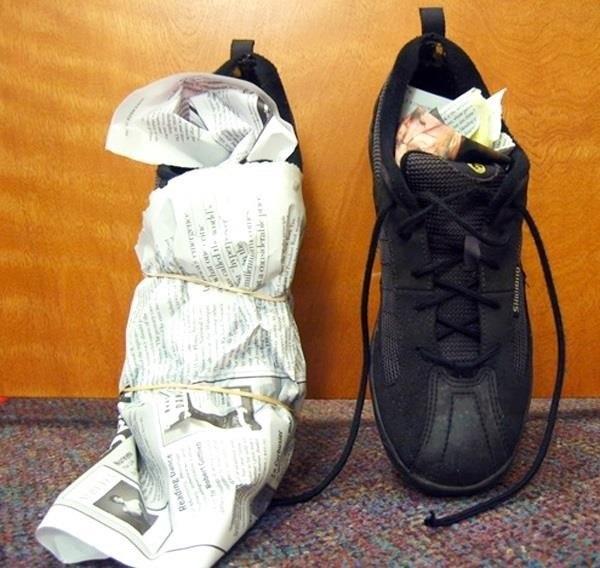 3 bí kíp làm khô giày nhanh trong mùa mưa