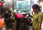 Cả ngàn túi xách Louis Vuitton không nguồn gốc ở Sài Gòn