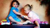 Vì sao tôi không dạy con chia sẻ đồ chơi với bạn khác?
