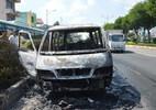 Cháy xe khách, tài xế bế từng người xuống