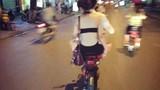 Những màn hở hang phản cảm của thiếu nữ Việt trên đường phố