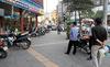Thanh niên bị truy sát giữa phố Hà Nội