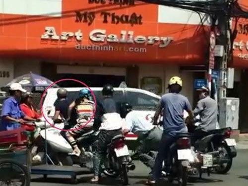 Chiêu dàn cảnh cướp giật tinh vi trên phố Sài Gòn