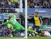 Giroud khai hỏa, Arsenal cưa điểm với Everton