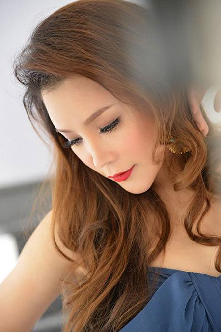 Hồ Quỳnh Hương, showbiz