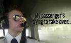 Phi công già, trẻ đánh nhau tranh quyền lái máy bay