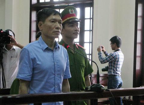 Đang xét xử cựu đại tá công an Dương Tự Trọng