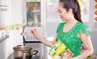 Thanh Thúy: Nổi tiếng đến đâu vẫn cần tròn vai vào bếp