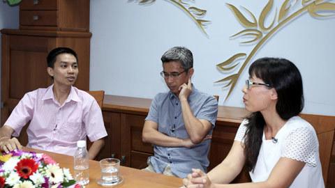 Tiến sĩ Nguyễn Đức Thành, Tiến sĩ Đặng Hoàng Giang, Đổi mới, Nhà báo Thu Hà, chuyển đổi mô hình tăng trường, làm ăn với Trung Quốc, Thương mại,