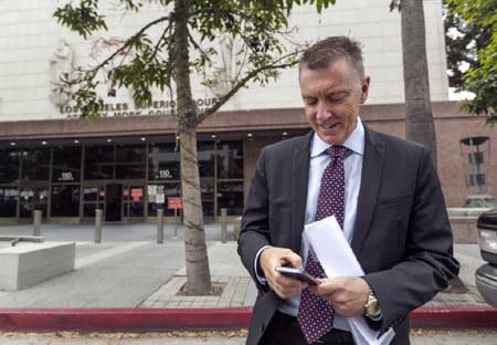 máy tính bảng, Mỹ, sách giáo khoa điện tử, Los Angeles, John Deasy, tham nhũng, sai sót