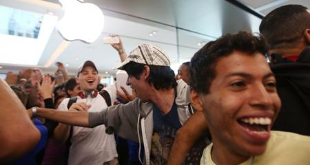 """Apple dành cho """"nhà giàu"""", Android phục vụ bình dân"""