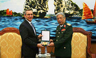 Thượng tướng Nguyễn Chí Vịnh tiếp phó trợ lý Ngoại trưởng Mỹ