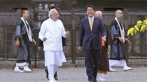 Thủ tướng Ấn Độ bàn bạc những gì khi thăm Nhật?